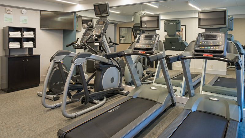 Holiday Inn St. Paul Downtown-Fitness CTR with 2 treadmills, elliptical, weight machine and bike<br/>Image from Leonardo