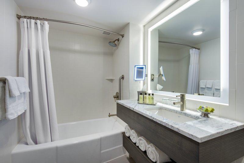 InterContinental Saint Paul Riverfront-Guest Bathroom with  bathtub<br/>Image from Leonardo