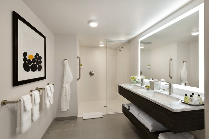 InterContinental Saint Paul Riverfront- Clean and modern Executive Suite Bathroom<br/>Image from Leonardo