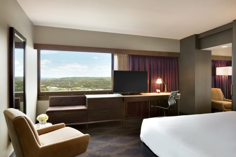 InterContinental Saint Paul Riverfront-King Riverview Suite with fabulous views<br/>Image from Leonardo