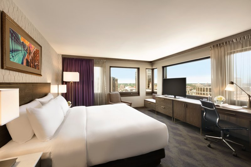 InterContinental Saint Paul Riverfront-Guest Room with spacious working area<br/>Image from Leonardo