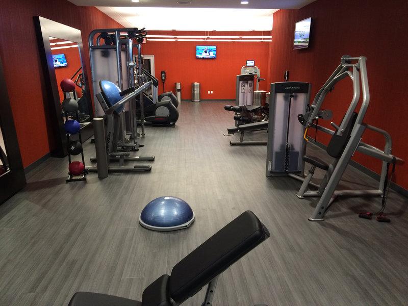 InterContinental Saint Paul Riverfront-Fitness Center Free Weights<br/>Image from Leonardo