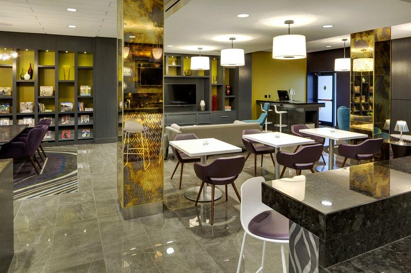 InterContinental Saint Paul Riverfront-Ambassador Lounge sitting area<br/>Image from Leonardo