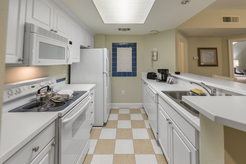 Holiday Inn Club Vacations South Beach Resort-Fully equipped kitchen<br/>Image from Leonardo