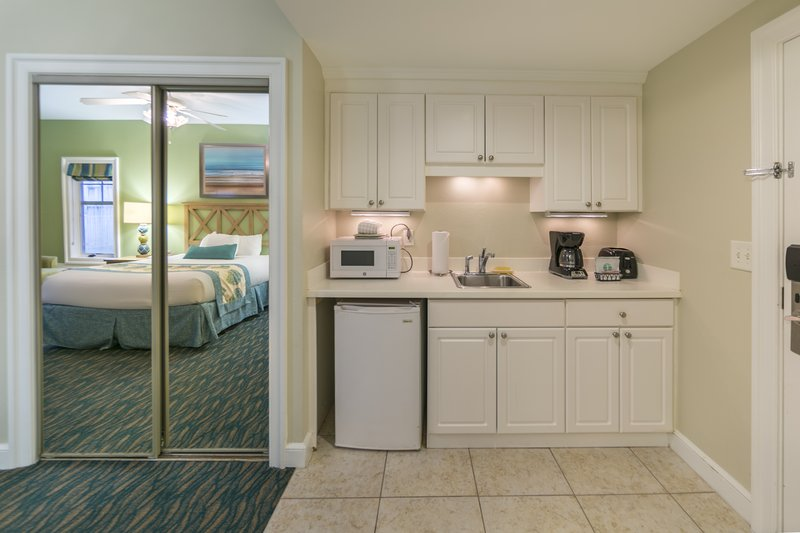Holiday Inn Club Vacations South Beach Resort-Kitchen area in a One Queen Bed Studio<br/>Image from Leonardo