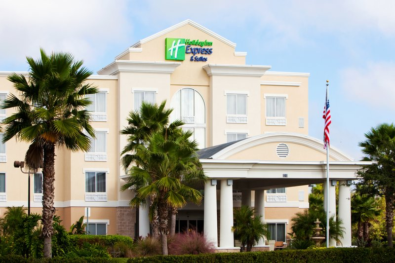 Holiday Inn Express & Suites Tampa-I-75 @ Bruce B. Downs-Beautifully landscaped picturesque location<br/>Image from Leonardo