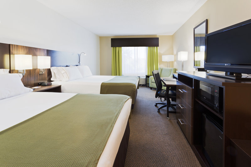 Holiday Inn Express & Suites Tampa-I-75 @ Bruce B. Downs-ADA/Hearing accessible Two Queen Guest Room<br/>Image from Leonardo