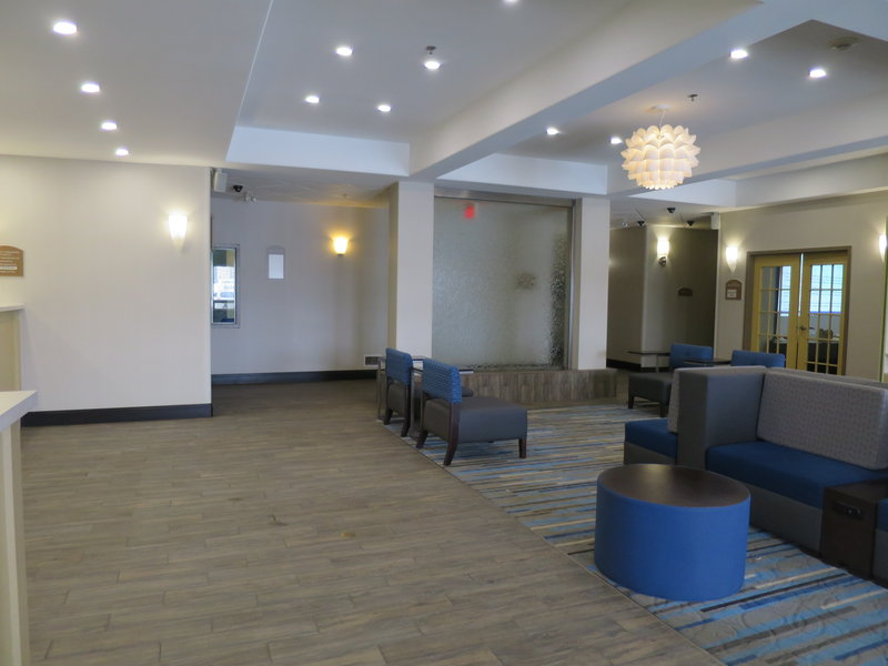 Holiday Inn Hotel & Suites Regina-Hotel Lobby<br/>Image from Leonardo