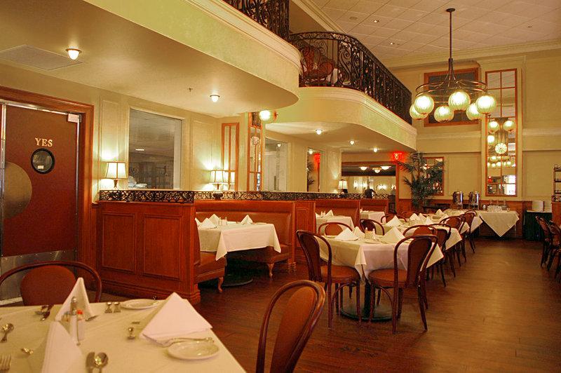 Astor Crowne Plaza French Quarter - Astor Crowne Plaza - Brennan's Bourbon House Restaurant <br/>Image from Leonardo