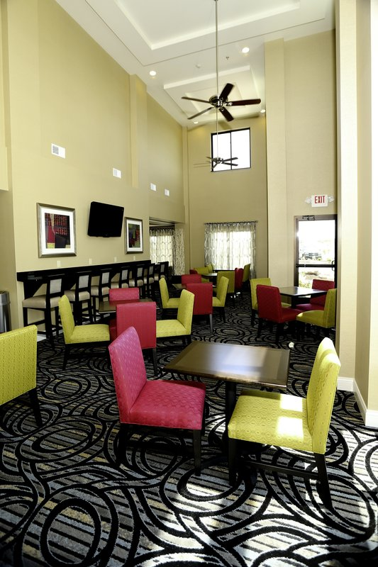 Holiday Inn Express & Suites Marion Northeast-Breakfast Area<br/>Image from Leonardo