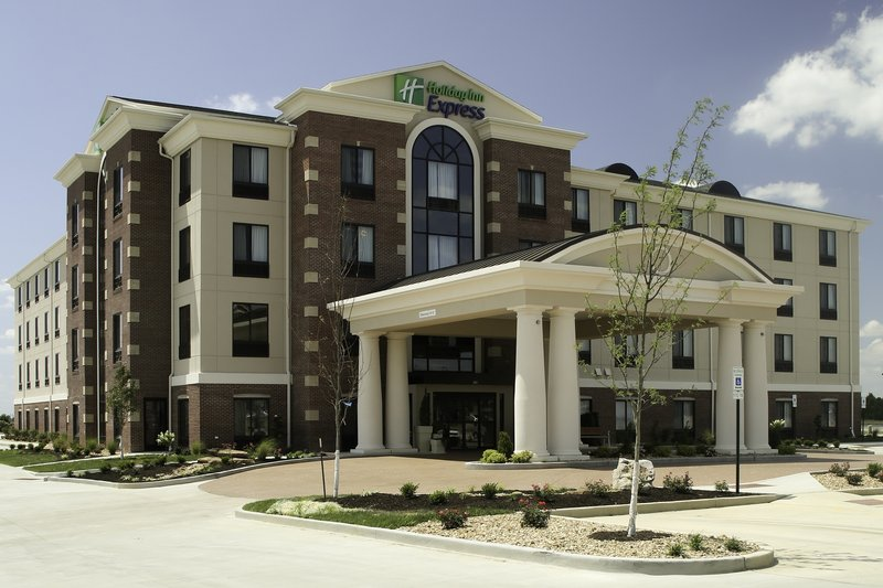Holiday Inn Express & Suites Marion Northeast-Entrance<br/>Image from Leonardo