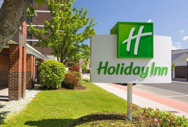 Holiday Inn Berkshires-Hotel Exterior<br/>Image from Leonardo