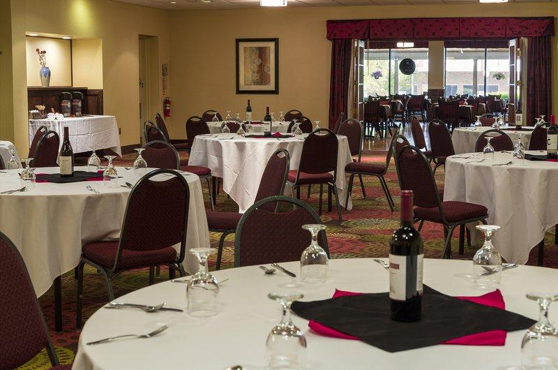 Holiday Inn Berkshires-Meeting Room<br/>Image from Leonardo