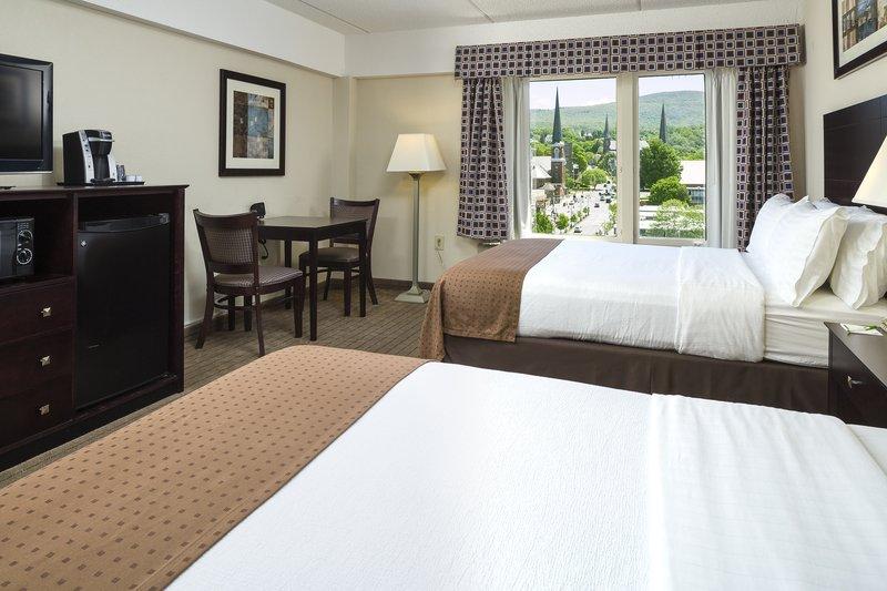 Holiday Inn Berkshires-Guest Room<br/>Image from Leonardo