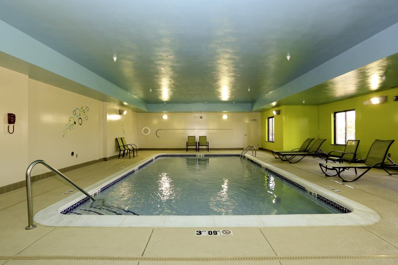 Holiday Inn Express & Suites Marion Northeast-Swimming Pool<br/>Image from Leonardo