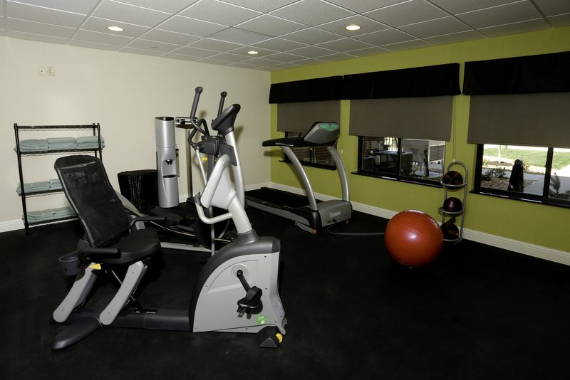 Holiday Inn Express & Suites Marion Northeast-Fitness Center<br/>Image from Leonardo