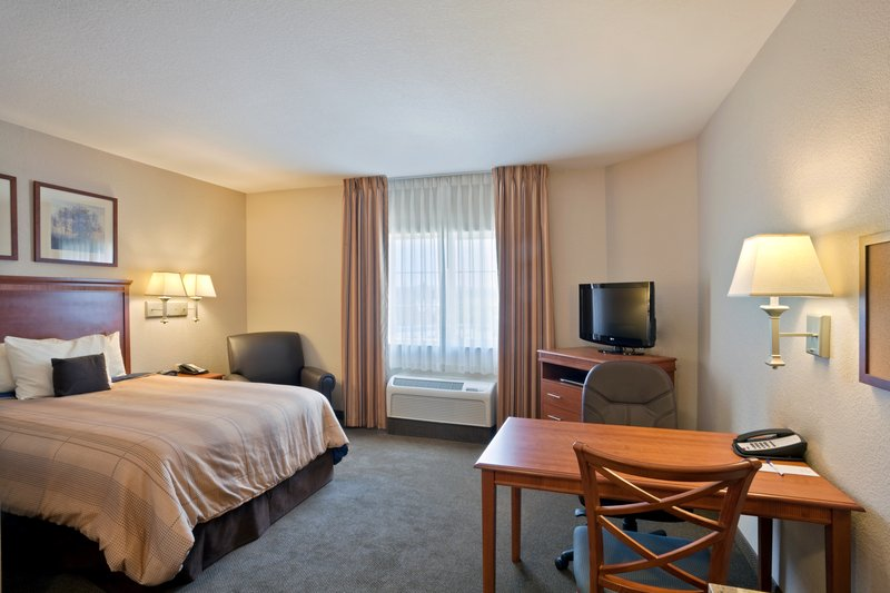 Candlewood Suites Portland Airport-King Deluxe Extended Stay<br/>Image from Leonardo