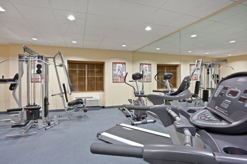 Candlewood Suites Portland Airport-24 Hour Fitness Center great for extended stay<br/>Image from Leonardo