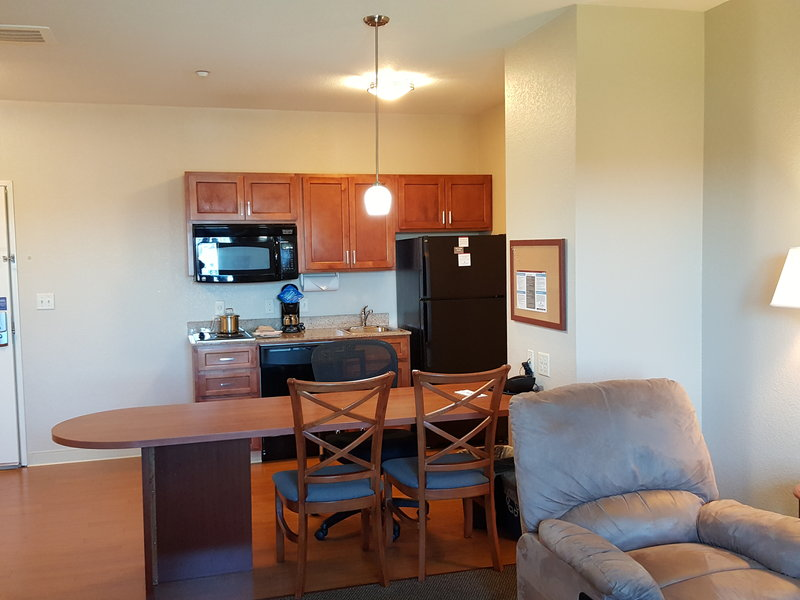 Candlewood Suites Portland Airport-Guest Room<br/>Image from Leonardo