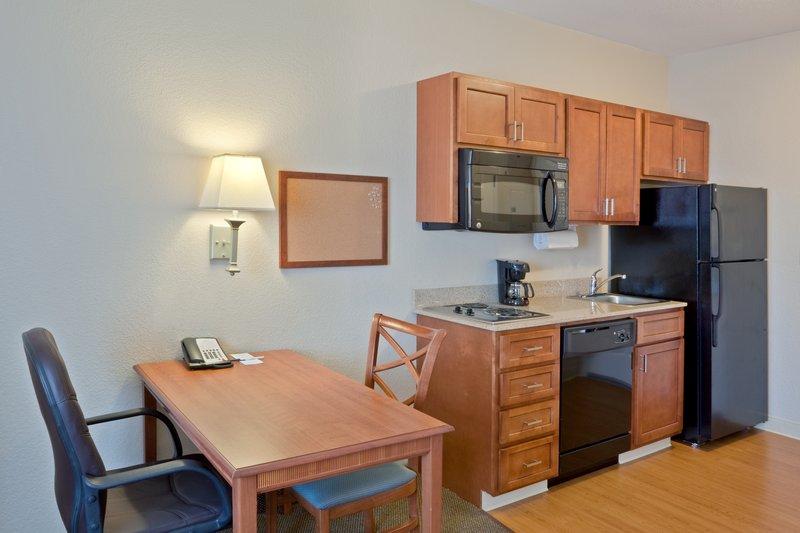 Candlewood Suites Portland Airport-Studio Kitchen Extended Stay- Extended Stay Hotel Portland<br/>Image from Leonardo