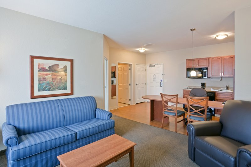 Candlewood Suites Portland Airport-Over 700 sq feet, perfect for extended stay<br/>Image from Leonardo