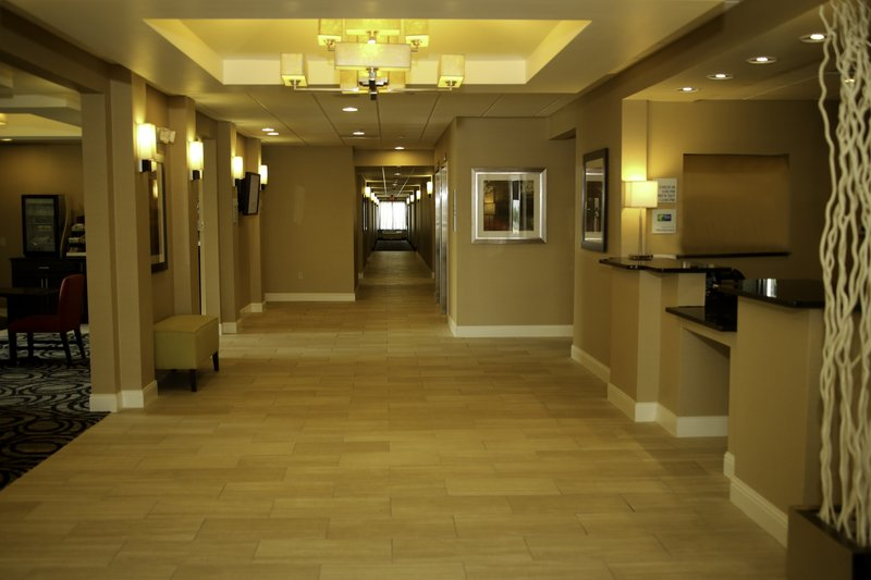 Holiday Inn Express & Suites Marion Northeast-Hotel Lobby #1<br/>Image from Leonardo