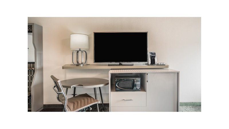 Holiday Inn Roanoke - Valley View-Need to work? Just roll out your desk & still enjoy your TV show!<br/>Image from Leonardo