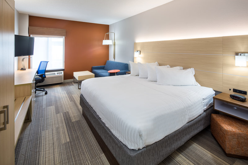 Holiday Inn Express Cedar Rapids (Collins Rd)-Deluxe King with Sofa Sleeper featuring microwave and fridge<br/>Image from Leonardo