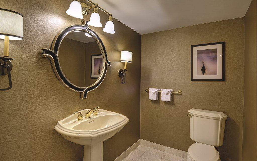 Excalibur Hotel and Casino - Resort Luxury Suite Bathroom <br/>Image from Leonardo