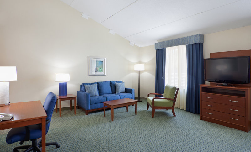 Holiday Inn Cape Cod - Falmouth-King Executive Room - Wheel Chair Assessible<br/>Image from Leonardo