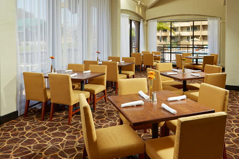 Holiday Inn Hotel & Suites Santa Maria-On Site Restaurant<br/>Image from Leonardo