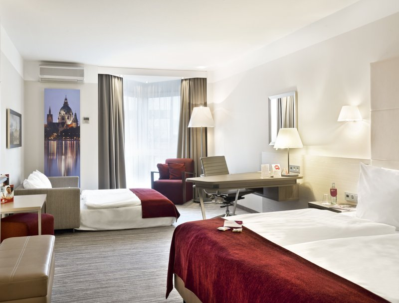 Crowne Plaza Hannover-Business room with sofa bed<br/>Image from Leonardo