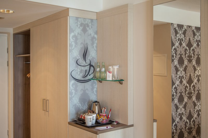 Crowne Plaza Hannover-Minibar<br/>Image from Leonardo