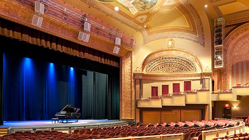 Holiday Inn Elmira - Riverview-Area's Premiere Arts Center - Clemens Center of Performing Arts<br/>Image from Leonardo