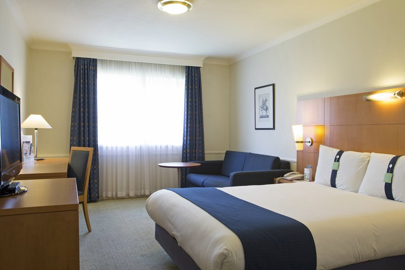 Holiday Inn Guildford-Guest Room<br/>Image from Leonardo