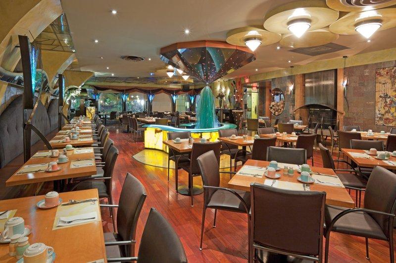 Holiday Inn Niagara Falls - by the Falls-A wide varietal menu await at Coco's Steakhouse.<br/>Image from Leonardo