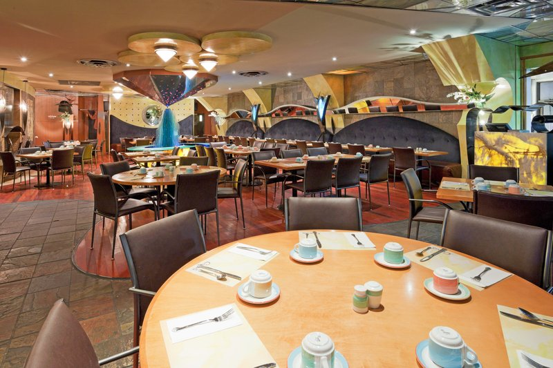 Holiday Inn Niagara Falls - by the Falls-We can accommodate small and large parties.<br/>Image from Leonardo