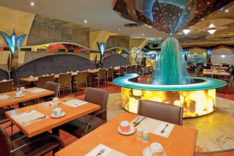 Holiday Inn Niagara Falls - by the Falls-Be sure to sample our local VQA Niagara Wines.<br/>Image from Leonardo