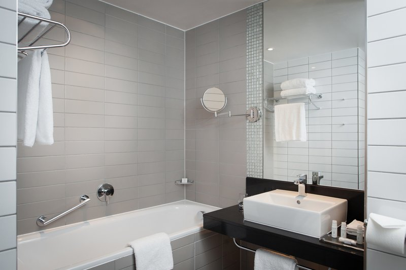 Crowne Plaza Newcastle - Stephenson Quarter-Baths are available with a separate shower<br/>Image from Leonardo