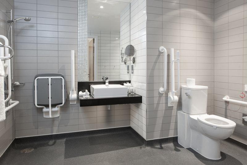 Crowne Plaza Newcastle - Stephenson Quarter-Club King Accessible Bathroom<br/>Image from Leonardo