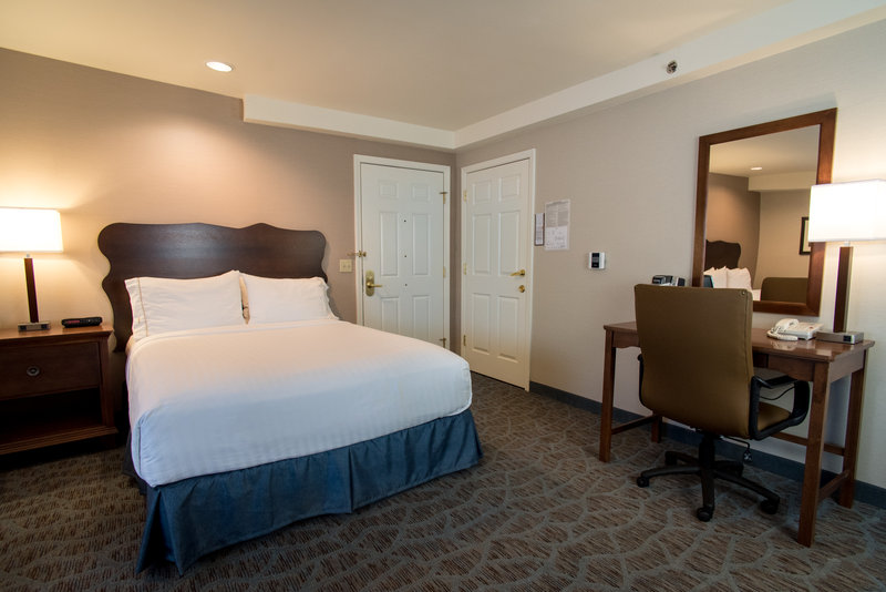 Holiday Inn Express South Lake Tahoe-Adjoining Room<br/>Image from Leonardo