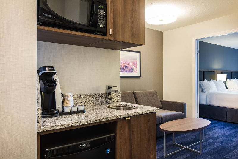 Holiday Inn Hotel & Suites Grande Prairie-Conference Ctr-If Extra Space Is What You Need Book A Large 2 Queen Suite<br/>Image from Leonardo