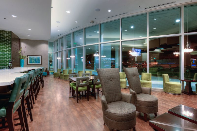 Holiday Inn Saskatoon Downtown-Before or after a show.  Join us in The Hub Lounge<br/>Image from Leonardo