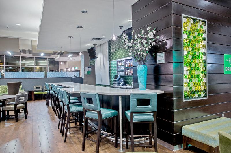 Holiday Inn Saskatoon Downtown-The Hub at Holiday Inn Lounge.<br/>Image from Leonardo