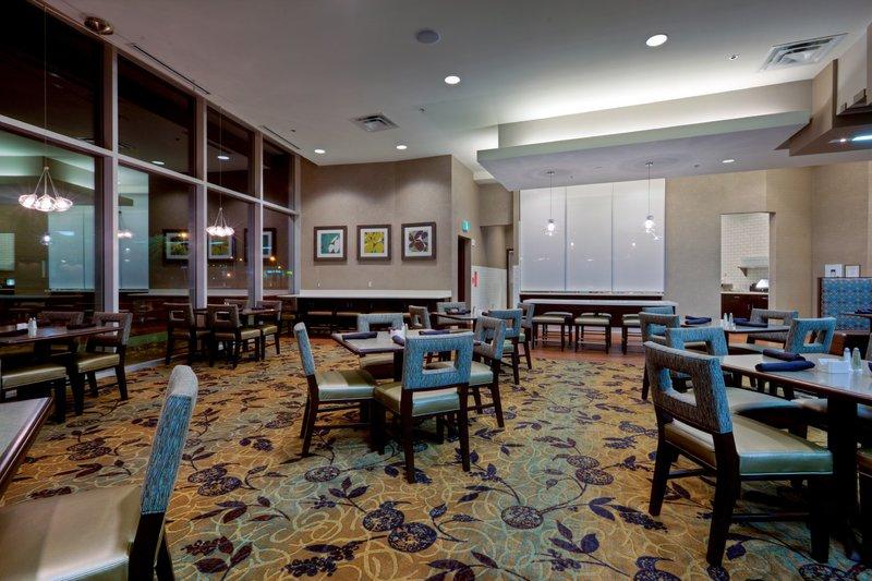Holiday Inn Saskatoon Downtown-Join us breakfast, lunch or dinner in The Hub Restaurant.<br/>Image from Leonardo