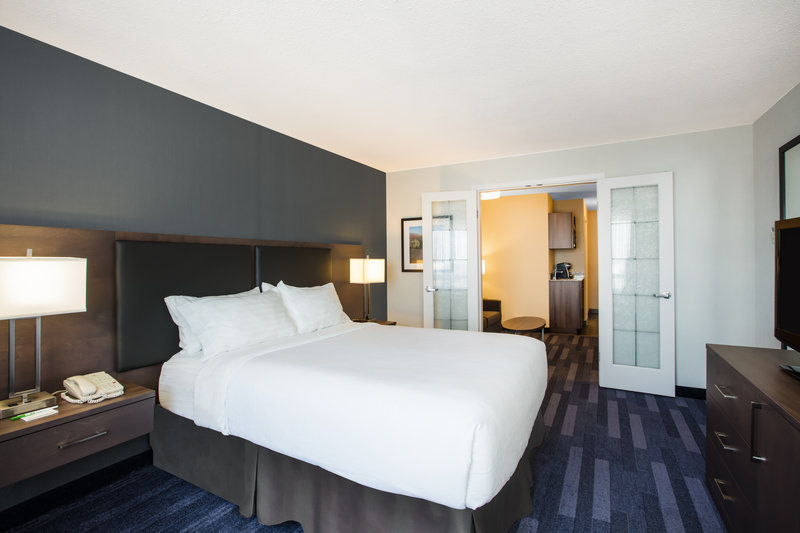 Holiday Inn Hotel & Suites Grande Prairie-Conference Ctr-Enjoy Free WiFi and Parking When You Stay In A Large Queen Suite<br/>Image from Leonardo
