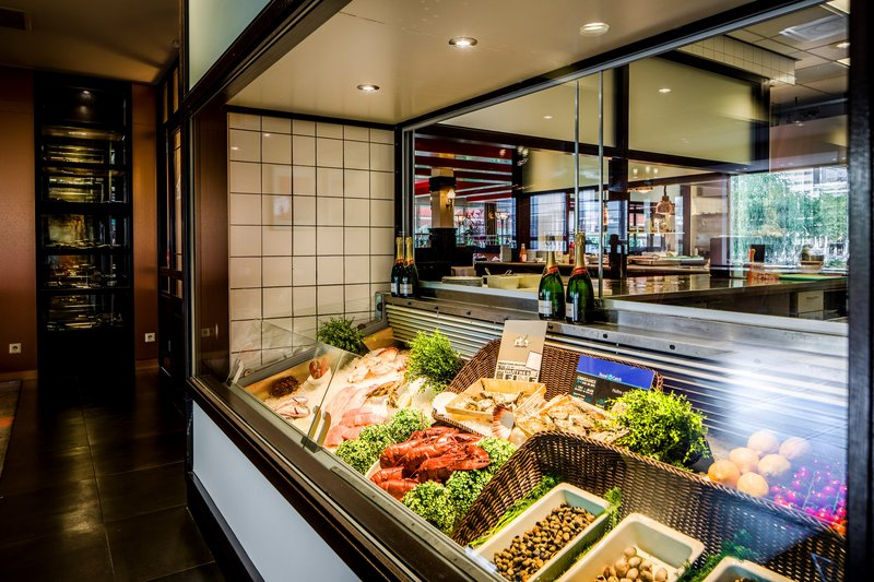 Holiday Inn Eindhoven-Enjoy our delicious seafood buffet<br/>Image from Leonardo