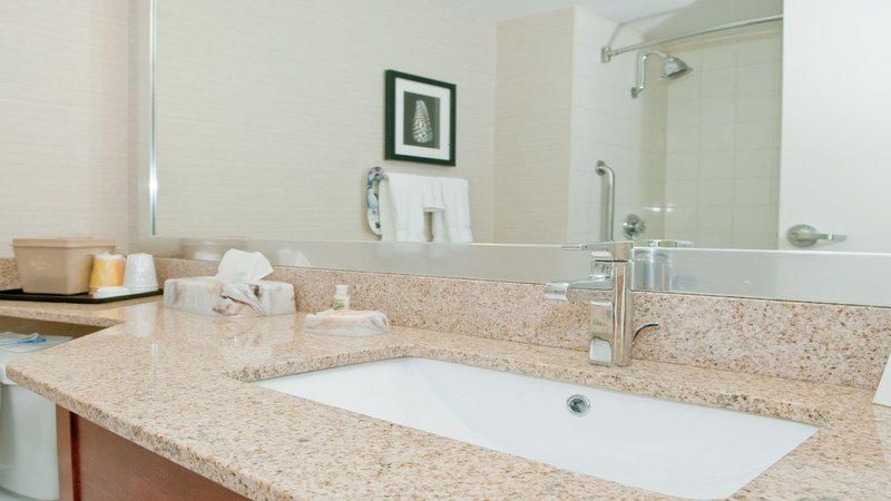 Holiday Inn Oakville Centre-Guest Bathroom<br/>Image from Leonardo