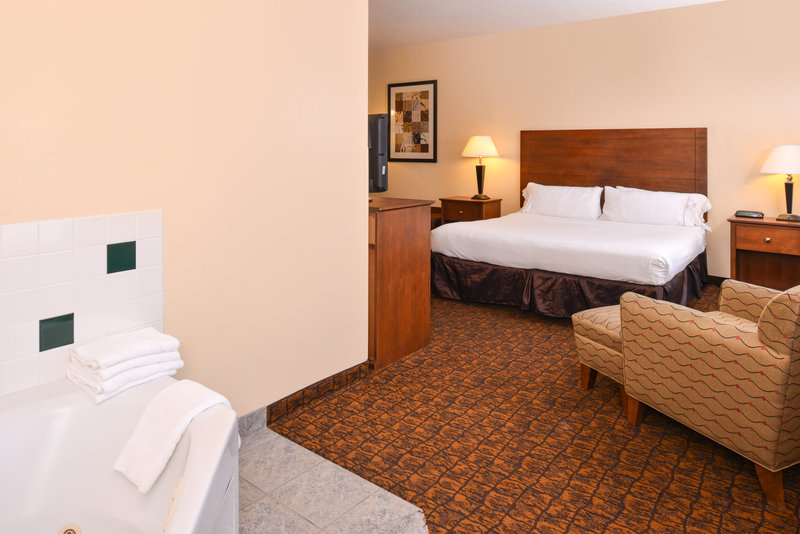 Holiday Inn Express Morgantown-One King Bed Jacuzzi Tub Suite<br/>Image from Leonardo