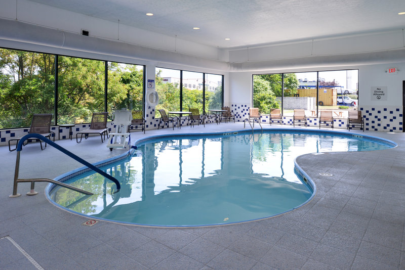 Holiday Inn Express Morgantown-Heated Indoor Swimming Pool & Spa<br/>Image from Leonardo
